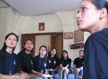 miss_nepal_2005_aspirants2