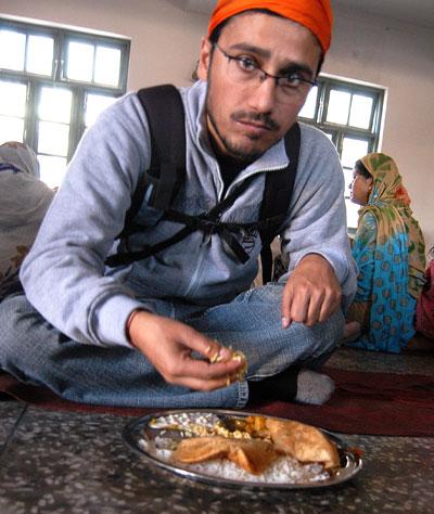Wagle eating Langar in Gurudwara