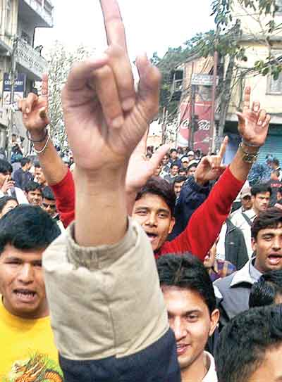 Students took out a rally protesting recent price hike in petrochemical products and the autocratic monarchy.