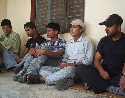 maoist release apf policemen