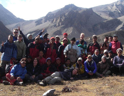 our trek team in Kang La Phedi