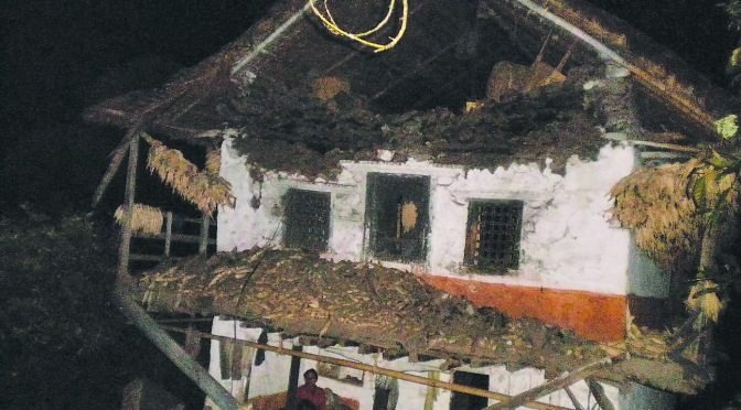 taplejung home damaged by earthquake